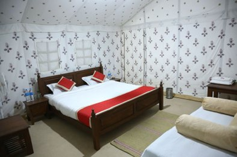 best luxury camp in jaisalmer - Deluxe Cottage Tents